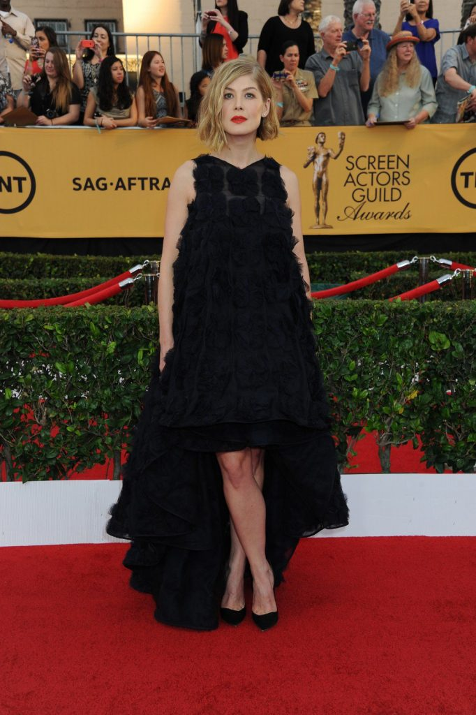 Rosamund Pike at the 21st Annual Screen Actors Guild Awards 2015. Photography by Katy Winn/Corbis