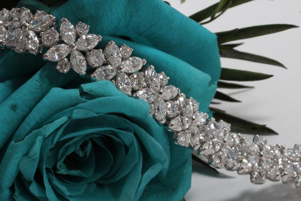 Round Brilliant bracelet with diamonds, JAWAHER AT DAMAS