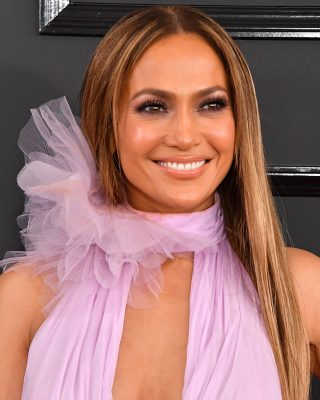 Jennifer Lopez. Wearing all things L'Oreal, Jennifer Lopez carried the torch for lavender as the trending shade for 2017. Her custom made Ralph & Russo gown was offset by her light eyeshadow in the same shade and dark black eye liner, all L'Oreal by her makeup artist, Mary Phillips. Opting to keep things simple elsewhere, the performer's hair was blow-dried and middle parted.