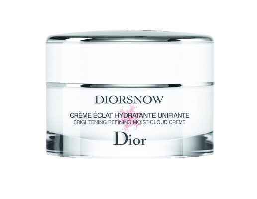 Brightening Pore-Refining Cloud Crème:This weightless cream melts into the skin to visibly reduce the appearance of pores. It's enriched with Edelweiss extract to correct dark spots, and a sebum-reducing ingredient enclosed within the smart microcapsules to mattify oily skin.