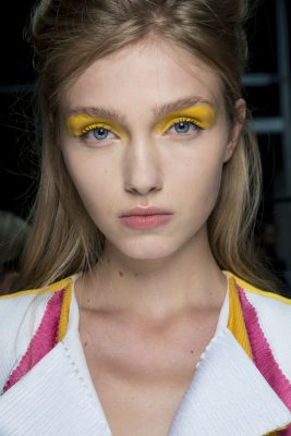 Byblos chose a dramatic block of lemon, spanning from the top lash line to the brow.