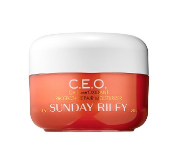 Sunday Riley C.E.O C + E antiOXIDANT Protect & Repair Moisturiser: Containing a high-potency dose of vitamin C, this formula visibly repairs the effects of ageing, environmental stress, and pollution-induced damage