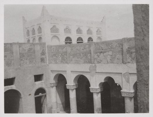Jacques Cartier's trip in 1911. Manama, House of Mugbil Al Thukair.