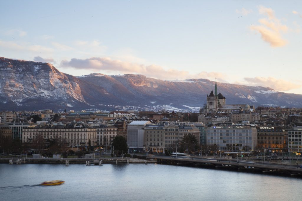 Along the coveted promenade of the shores of Lake Geneva, Beau-Rivage enjoys a privileged location in the heart of Geneva
