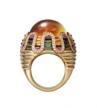 Ring in yellow gold with one 28.48-carat cabochon-cut citrine, green tourmalines, onyx, rubellites and brilliant-cut diamonds