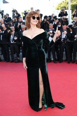 Susan Sarandon | Sarandon's evidence that age is just a number in a rich moss-green off-the-shoulder Alberta Ferretti gown. The 70-year-old injected a dose of casual nonchalance by sporting Gentle Monster x Song of Style matt-black sunglasses.