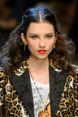 Dolce&Gabbana | Ideal for the more confident sun worshipper, Dolce&Gabbana brought a strong and eye-catching beauty look to the spring/summer17 runway. Keep locks wild and lips bold, and remember: Bring attitude.