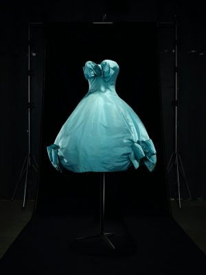 Aurore short evening dress in azure blue silk, haute couture spring/summer 1958, Trapeze line. Dior Héritage collection, Paris. Photo by Laziz Hamani