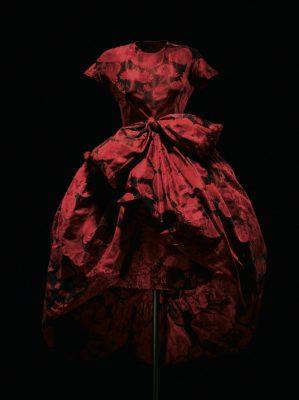 Nuit de Grenade reception dress in poppy-print silk taffeta, haute couture spring/summer 1960, Silhouette de Demain collection. Photo by Laziz Hamani