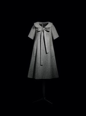 Bonne Conduite dress in granite gray wool, haute couture spring/summer 1958, Trapeze line. Photo by Laziz Hamani