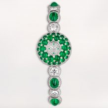 David Morris is known for being an exceptional watchmaker, and this emerald and diamond-encrusted timepiece pays homage to this fact. Years of artisanal excellence comes to a head, showcased by this exquisite jewellery piece