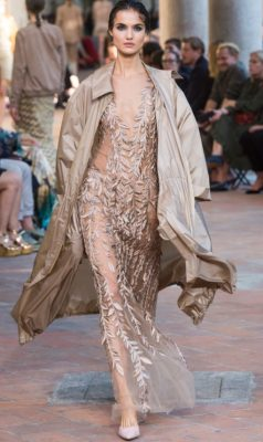 Alberta Ferretti: A sense of change was in the air at Alberta Ferretti. The Italian designer applied a more minimalistic approach to summer dressing opting for maxi dresses, ribbed knits and gowns and dresses embellished with metallic pailettes.