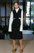 Derek Lam: Derek Lam played to his strengths for spring/summer18 with a collection packed full of American sportswear staples. Highlights included an olive-green leather shirt, coordinating masculine suits, a lace shirt dress and a deconstructed belted gilet.