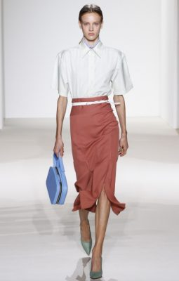 Victoria Beckham: Victoria Beckham's softly softly approach for this collection was a cohesive continuation of her last two seasons. Made up of ladylike pencil and flowing maxi skirts as well loosely tailored blazers and trousers, the British designer put forth an appealing case for relaxed glamour.