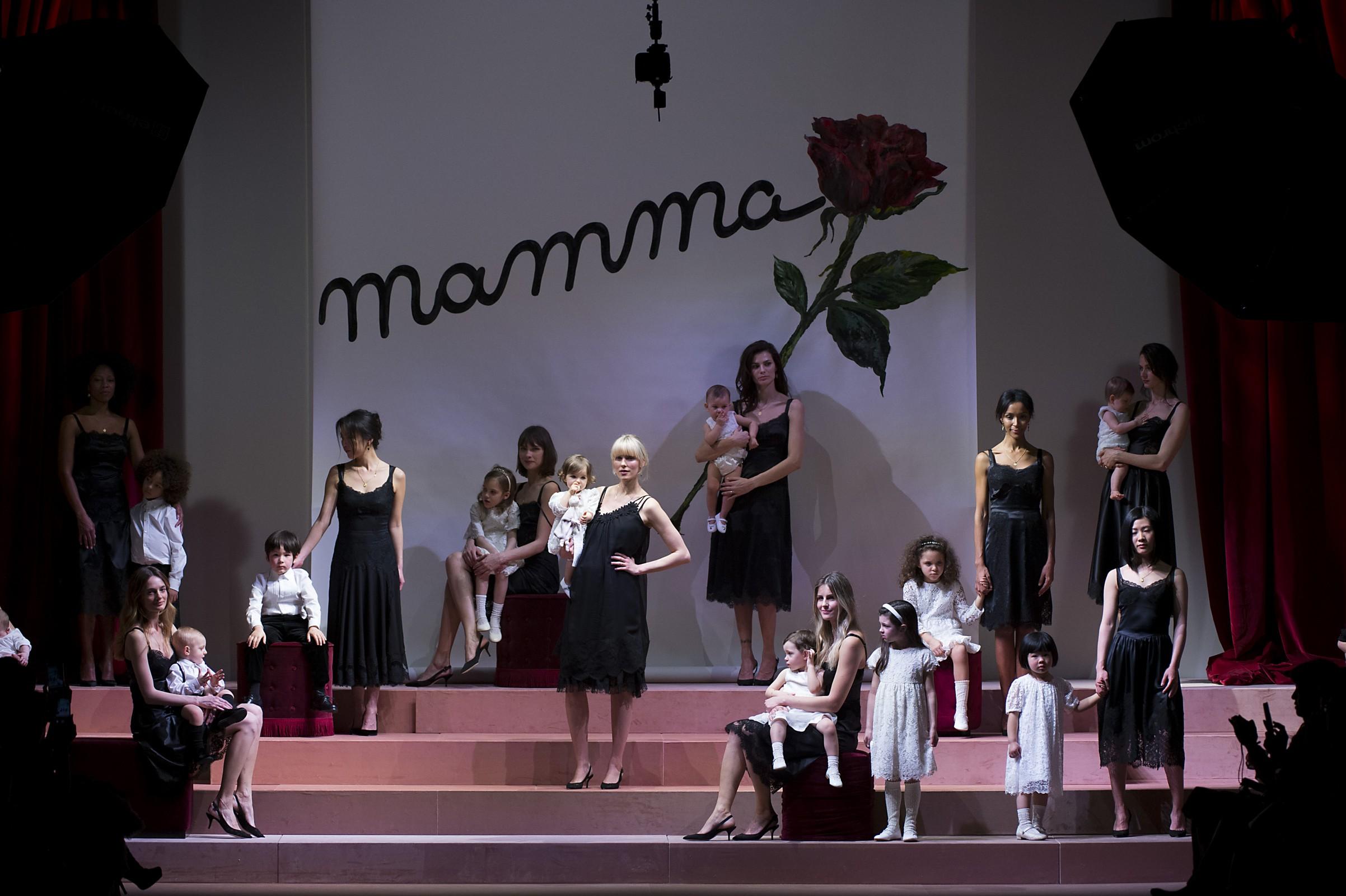 Dolce & Gabbana: Viva Mamma