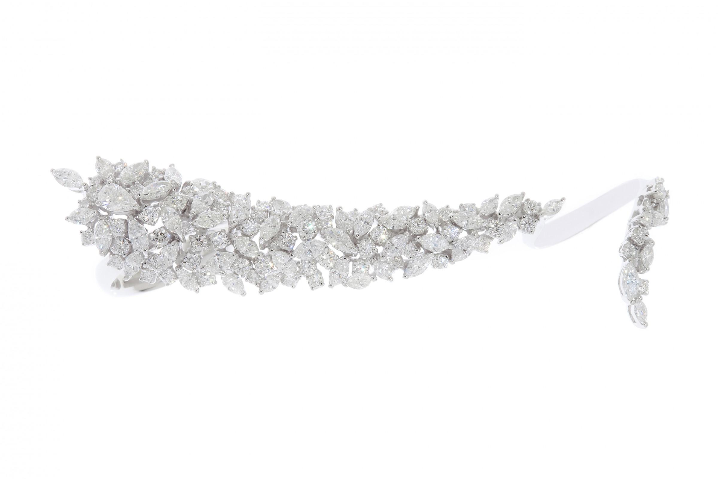 In The Jewellery Box: Yeprem