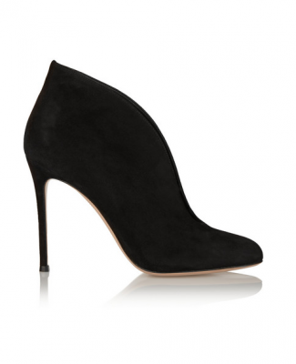 Gianvito Rossi's almond-toe design Vamp 100 suede ankle boots can be worn with everything from dresses to tailored trousers, and add a sophisticated feel to an ensemble.