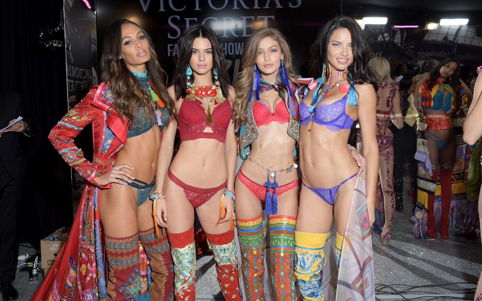 6587f90ca9 Kendall Jenner And Gigi Are Confirmed For Victoria s Secret
