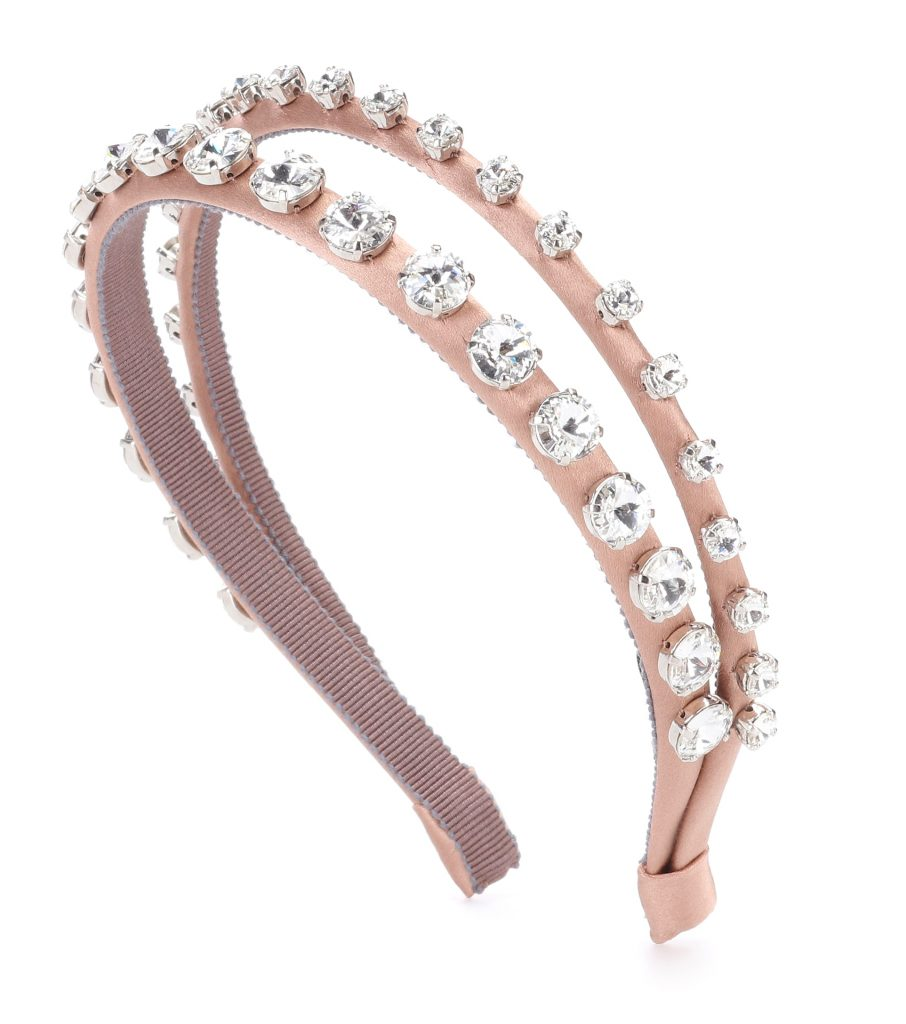 82f420e9e9f7 Hair Accessories That Will Update Your Holiday Look